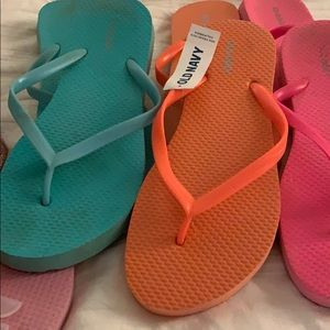 Mixit & Old Navy Shoes - Flip Flops - Set of 5. They are a size 6/7-7/8